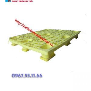 pallet 12 600x600 1 300x300 - Pallet nhựa cũ 1100 x 1300 x 150 mm