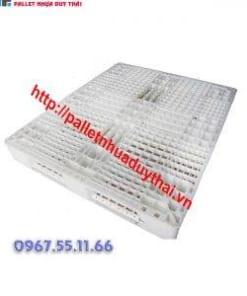 pallet 15 300x300 1 247x296 - Pallet nhựa cũ 1100 x 1100 x 150 mm