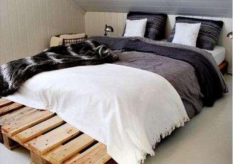 pallet ke giuong 4 - Pallet kê giường nên dùng pallet gỗ , nhựa hay sắt thì tốt ?