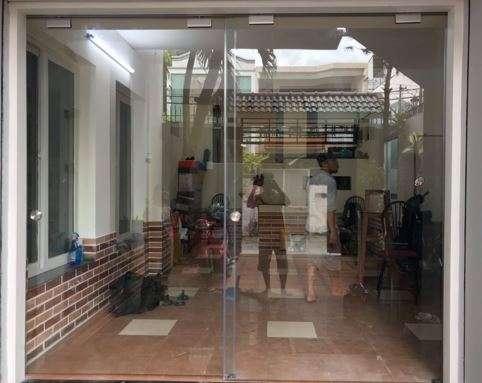 cửa kính cường lực 2 - Cửa kinh cường lực - Sự hoàn hảo đến từ sự an toàn